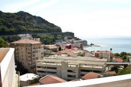 Вид. Будванская ривьера, Черногория, Бечичи : Апартаменты с балконом с видом на море
