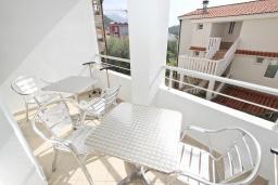 Балкон. Будванская ривьера, Черногория, Петровац : Апартаменты на 4+1 персон, 2 спальни, с видом на море