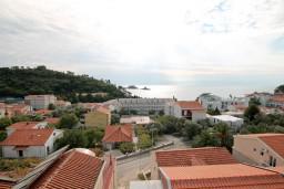 Вид на море. Будванская ривьера, Черногория, Петровац : Апартамент для 4-5 человек, 2 отдельные спальни, с видом на море