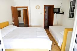 Студия (гостиная+кухня). Рафаиловичи, Черногория, Рафаиловичи : Студия в Рафаиловичи в 150 метрах от моря