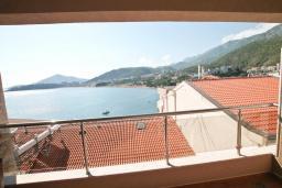 Вид на море. Рафаиловичи, Черногория, Рафаиловичи : Студия с балконом с шикарным видом на море, на берегу моря в Рафаиловичах