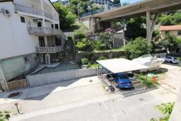 Балкон. Рафаиловичи, Черногория, Рафаиловичи : Апартамент с отдельной спальней, 70 метров до моря