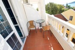 Балкон. Рафаиловичи, Черногория, Рафаиловичи : Уютная студия в 10 метрах от моря