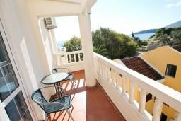 Рафаиловичи, Черногория, Рафаиловичи : Уютная комната для 2-3 человек, с кондиционером, с балконом с видом на море