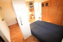 Студия (гостиная+кухня). Рафаиловичи, Черногория, Рафаиловичи : Просторная студия в 200 метрах от моря
