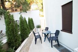 Рафаиловичи, Черногория, Рафаиловичи : Современная студия для 2-3 человек, с террасой с видом на море