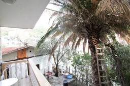 Балкон. Рафаиловичи, Черногория, Рафаиловичи : Студия в 200 метрах от моря