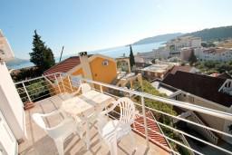 Вид на море. Будванская ривьера, Черногория, Бечичи : Студия с балконом с видом на море