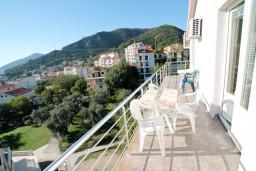 Балкон. Будванская ривьера, Черногория, Бечичи : Студия с балконом с видом на море