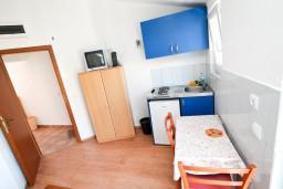 Будванская ривьера, Черногория, Бечичи : Студия для 2 человек, с балконом