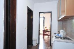 Кухня. Бечичи, Черногория, Бечичи : Апартамент для 4 человек, 2 отдельные спальни