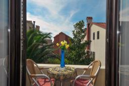 Балкон. Бечичи, Черногория, Бечичи : Апартамент для 4 человек, 2 отдельные спальни