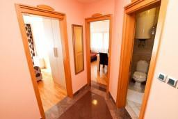 Коридор. Бечичи, Черногория, Бечичи : Апартаменты с 1 спальней и балконом
