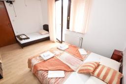 Студия (гостиная+кухня). Будванская ривьера, Черногория, Бечичи : Студия для 3 человек
