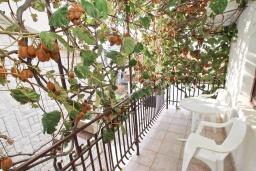 Балкон. Бечичи, Черногория, Бечичи : Студия в Бечичи, до моря 350 метров