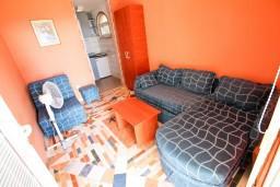 Студия (гостиная+кухня). Бечичи, Черногория, Бечичи : Студия для 2-3 человек