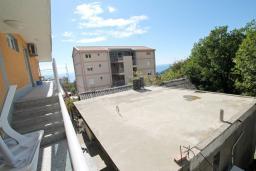 Вид на море. Бечичи, Черногория, Бечичи : Уютная студия в Бечичи с балконом