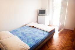 Спальня. Будванская ривьера, Черногория, Бечичи : Комната для 2 человек