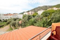 Вид на море. Будванская ривьера, Черногория, Бечичи : Уютная студия для 2 человек, с балконом с видом на море