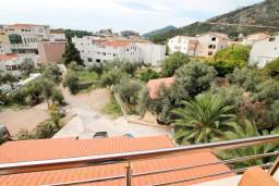 Вид. Бечичи, Черногория, Бечичи : Уютная студия в Бечичи с балконом с видом на море