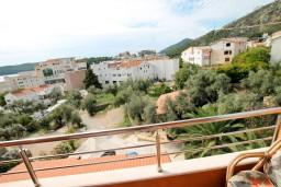 Вид. Будванская ривьера, Черногория, Бечичи : Уютная студия с балконом с видом на море