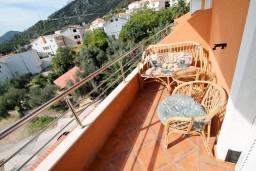 Балкон. Будванская ривьера, Черногория, Бечичи : Уютная студия с балконом с видом на море