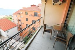 Балкон. Бечичи, Черногория, Бечичи : Современная студия с балконом с видом на море