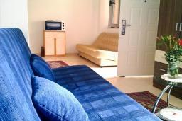 Студия (гостиная+кухня). Бечичи, Черногория, Бечичи : Студия для 3-6 человек, с большой террасой