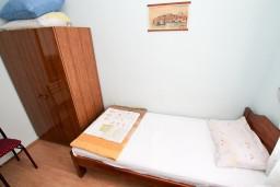 Будванская ривьера, Черногория, Петровац : Комната на 2 персоны, с кондиционером, с общей кухней