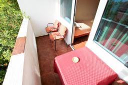 Будванская ривьера, Черногория, Петровац : Комната для 3 человек, с видом на море