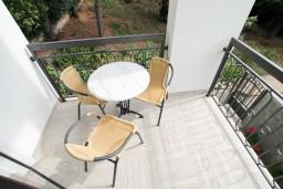 Балкон. Будванская ривьера, Черногория, Петровац : Современная студия в 200 метрах от моря