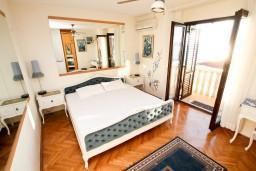 Будванская ривьера, Черногория, Святой Стефан : Комната для 2 человек, с балконом с шикарным видом на море