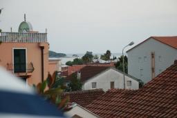 Вид на море. Будванская ривьера, Черногория, Будва : Апартамент для 4-6 человек, 2 спальни, с террасой с видом на море