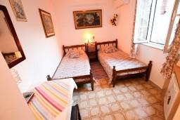 Будванская ривьера, Черногория, Будва : Комната для 2 человек, 20 метров до моря