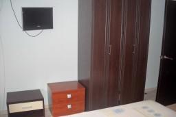 Спальня 2. Будванская ривьера, Черногория, Будва : Апартамент для 4 человек, 2 отдельные спальни