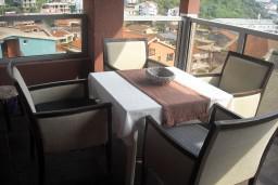 Балкон. Будванская ривьера, Черногория, Будва : Апартамент для 4 человек, 2 отдельные спальни