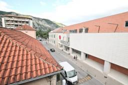 Вид. Боко-Которская бухта, Черногория, Котор : Апартамент с отдельной спальней, с балконом, 50 метров до моря