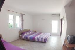 Спальня 2. Рафаиловичи, Черногория, Рафаиловичи : Апартаменты на 7 персон, 2 отдельные спальни, 30 метров от пляжа