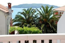 Вид на море. Рафаиловичи, Черногория, Рафаиловичи : Апартаменты на 7 персон, 2 отдельные спальни, 30 метров от пляжа