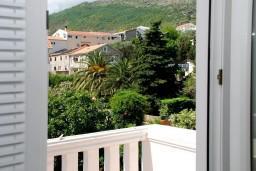 Балкон. Рафаиловичи, Черногория, Рафаиловичи : Апартаменты на 7 персон, 2 отдельные спальни, 30 метров от пляжа