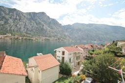Вид. Боко-Которская бухта, Черногория, Муо : Студия с балконом с шикарным видом на море, 20 метров до пляжа