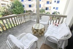 Терраса. Рафаиловичи, Черногория, Рафаиловичи : Апартамент для 4 человек, с 2-мя отдельными спальнями