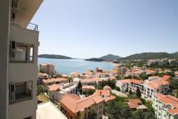 Вид на море. Рафаиловичи, Черногория, Рафаиловичи : Современный апартамент для 6-10 человек, с 3-мя отдельными спальнями, 2-мя ванными комнатами, с балконом с видом на море